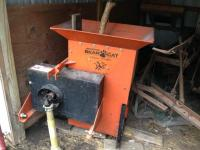 Bear Cat wood chipper