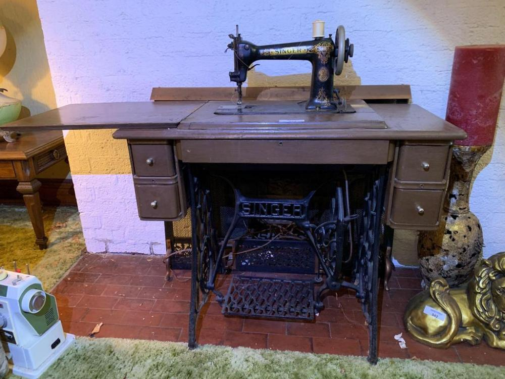 Singer Treadle sewing machine # W 26292 & cabinet - Current