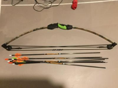 34 inch bow and arrows