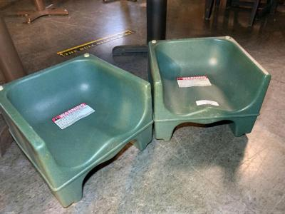 Plastic booster seats-2