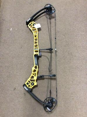 Mathews Halon X with Crosscentric Cam Technology Compound Bow