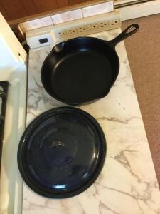 "9"" cast iron skillet with metal lid"