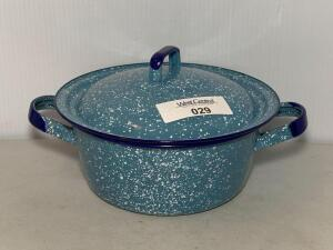 Blue Speckled Graniteware Crock Pot w/lid
