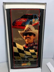 Richard Petty, 1992 Fan Appreciation Tour Clock, Limited Edition