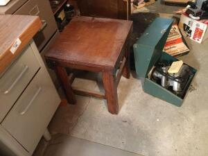 Table/ chair 16x16x21?