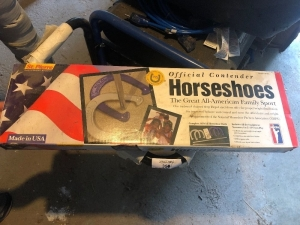 New horse shoe set