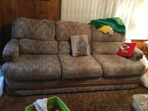 80 in sofa, pillows and throws