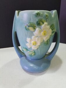 "Roseville (White Rose Pattern) 7"" tall"
