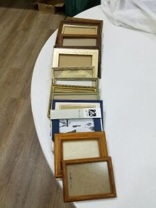 Picture frames/assorted sizes