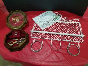 Jewelry Keeper/ sm. Jewelry Box w/rings and earrings