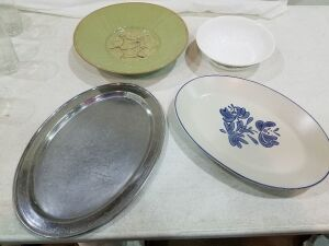 4 Serving Dishes