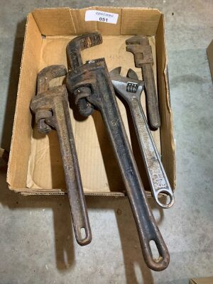 Pipe wrenches, Adjustable wrench