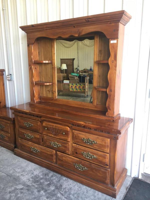 Dresser With Mirror Burlington Furniture Company Current Price 82